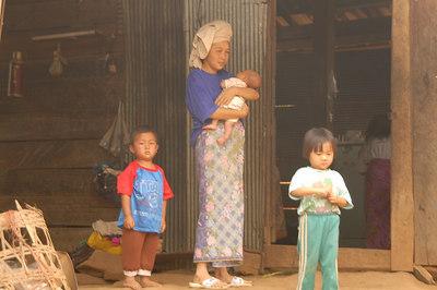 Yao Tribe Family1