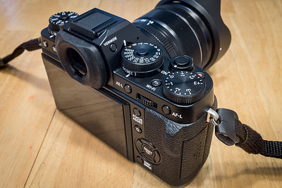 Fuji X-T1 size with 18-55mm f/2.8 to f/4 lens