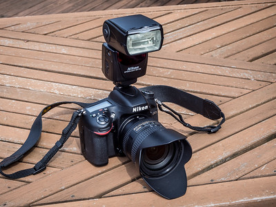 Nikon D600 with SB-700 flash