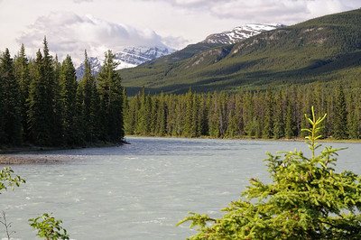 la rivière devant le chalet