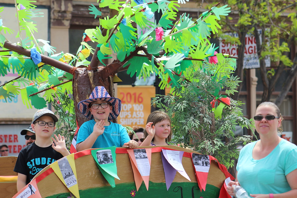 . Mountain View Core Knowledge School students make their way Saturday through the 2017 Blossom Festival Parade.