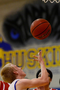 Huskies junior Jeremy Nelson against Fountain Valley in Florence. Jeff Shane/ Daily Record