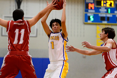 Florence Josh Sisneros v Fountain Valley. Jeff Shane/ Daily Record