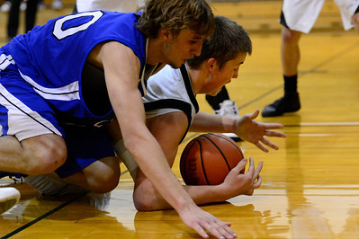 Tiger Gunner Javernick, right, against Central Tuesday January 15, 2013. Jeff Shane/ Daily Record