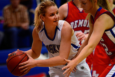 Huskies junior Carly Chaney looks to pass against Buena Vista Wednesday in Florence. Jeff Shane/ Daily Record