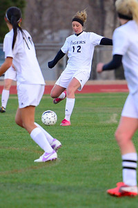 Tigers senior Ashley Cross against Pueblo Central. Jeff Shane/ Daily Record