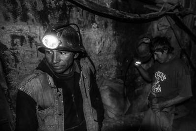 Visita interior mina siglo XX