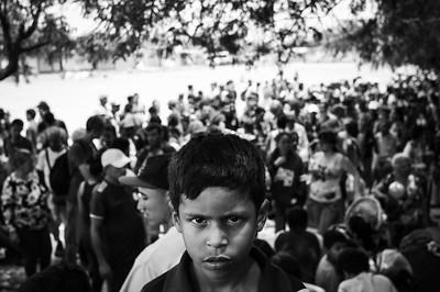 Venezuelan kid in line for the free breakfast offered by a church, spaces are limited so they line up from 5:00 a.m. Photo: Dany Krom. / Niño venezolano en la fila para el desayuno gratuito que ofrece una iglesia, los cupos son limitados por lo que hacen fila desde las 5:00 am. Foto: Dany Krom.