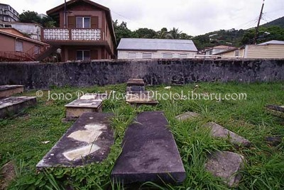 ST. THOMAS (US Virgin Islands), Charlotte Amalie. Savan Jewish Cemetery (consecrated ?1792). (2007)