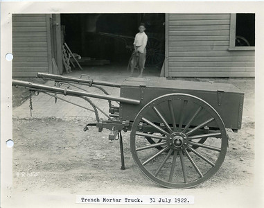MODEL OF 1917 TRENCH MORTAR CART