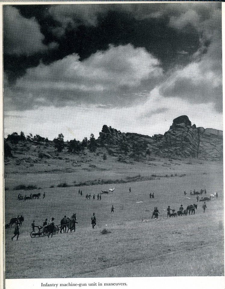 THE ARMY OF THE UNITED STATES <br /> <br /> (BOOK) 1940<br /> <br /> (SCANNED FROM BOOK) <br /> <br /> (CRAIG JOHNSON COLLECTION)