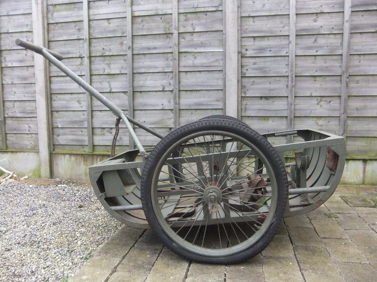 """You are bidding on an original WW1/WW2 Vickers MMG Hand Cart, used to transport the Vickers, Ammunition and Associated stores. The tyres are 21"""" Dunlop Hand Cart Tyres. Collection only if within Ireland or overseas buyers to organise freight shipping.<br /> <br /> Ebay sellers name.... ezaramecia"""