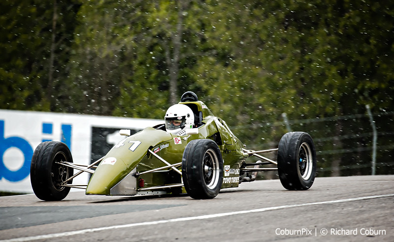 #41 F1600 Racing in the Snow