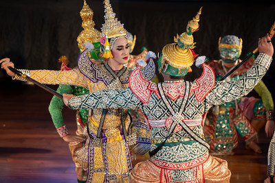 "The Fight of Lakshmana and Ravana, Khon performance ""Hanuman Presents the Ring"""