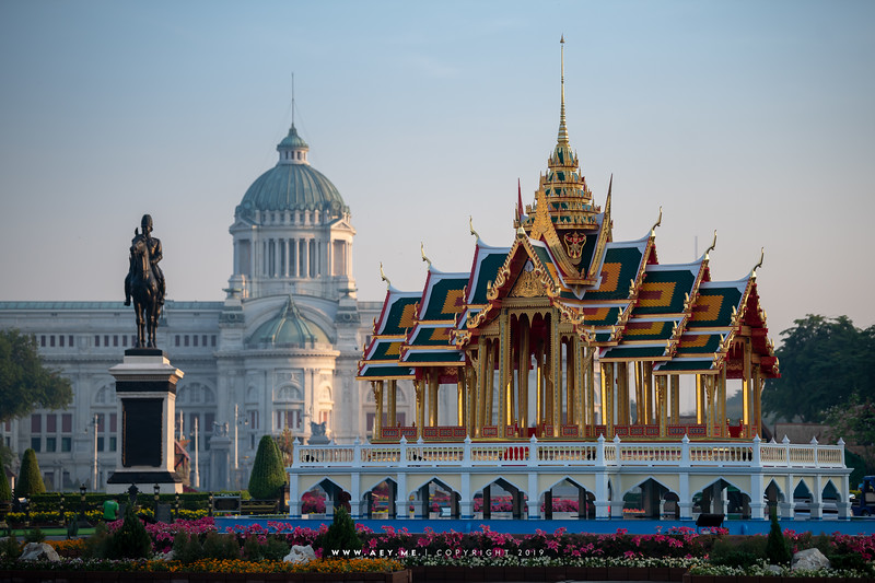 Aisawan Dhipaya Asana Throne Hall (replica) in Love and Warmth at Winter's End, Un Ai Rak Khlai Khwam Nao, the River of Rattanakosin
