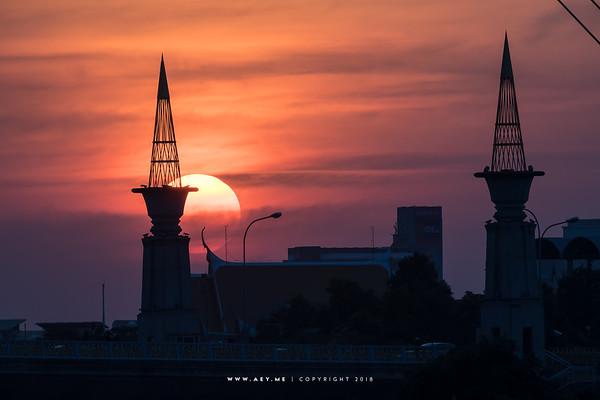 Sunset at Rama VIII Bridge