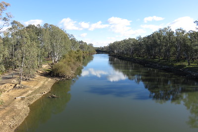 The Murray River. Crossing back into New South Wales