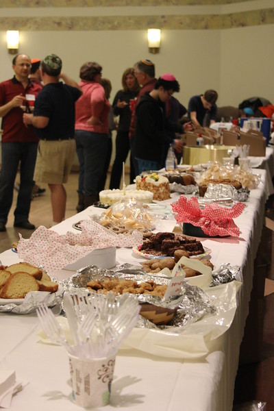 game-night-dessert-potluck-2014-12-24_7603