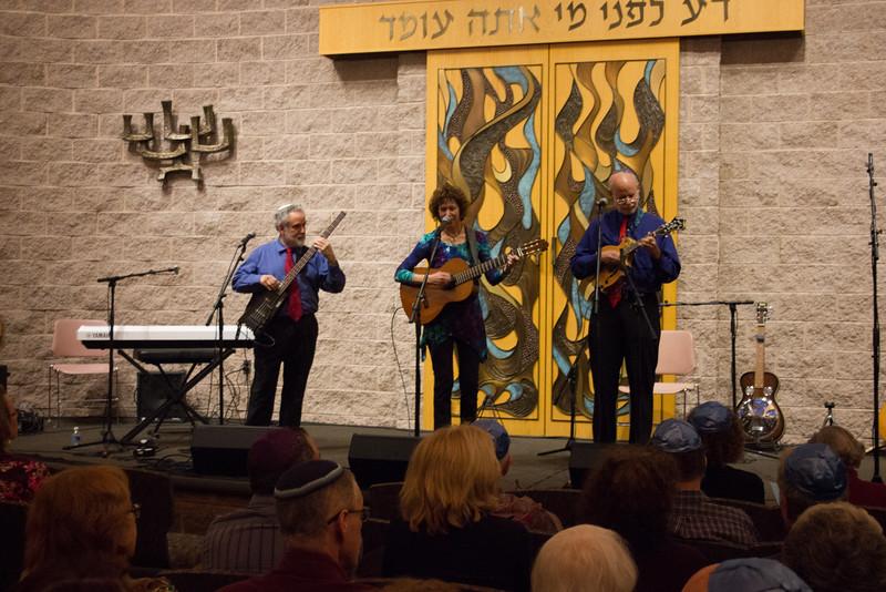 2015-12-13 CBE Hanukkah Concert and Dinner--3001