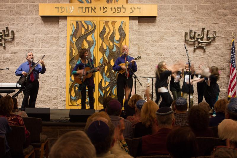 2015-12-13 CBE Hanukkah Concert and Dinner--3117