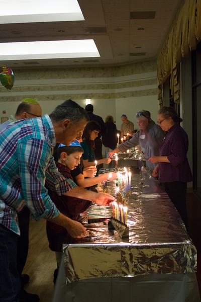 2015-12-13 CBE Hanukkah Concert and Dinner-3134