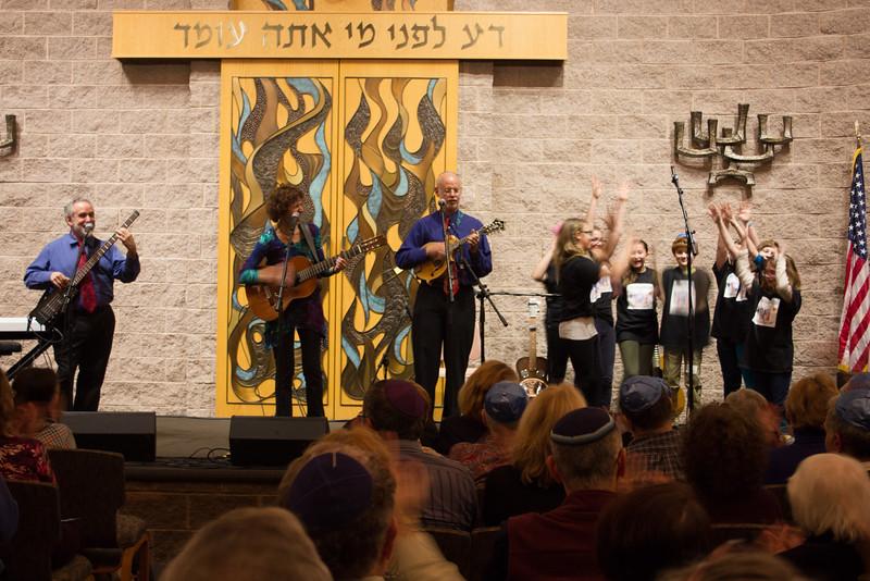 2015-12-13 CBE Hanukkah Concert and Dinner--3118