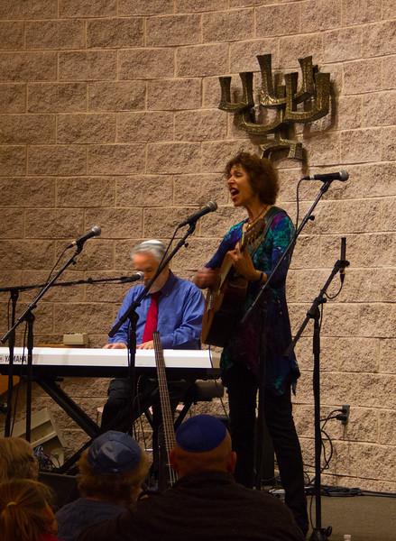 2015-12-13 CBE Hanukkah Concert and Dinner--3040