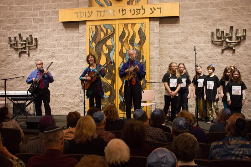 2015-12-13 CBE Hanukkah Concert and Dinner--3085