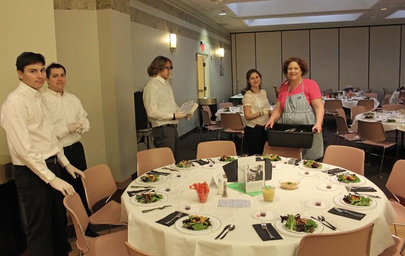 2015-01-MLK Kosher Soul prep_7748briefing-some-teen-waiters