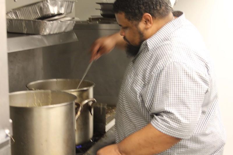 2015-01-MLK Kosher Soul prep_7745twitty-stirs-soup