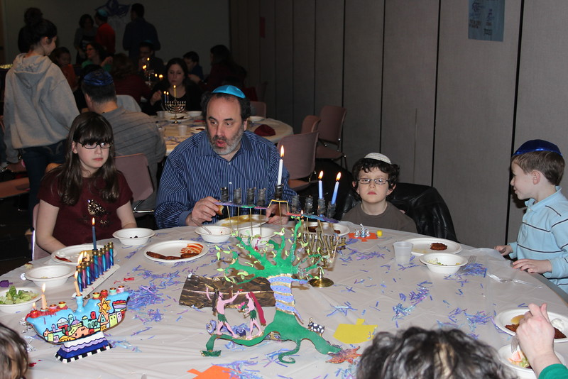 2014-12 Latke Dinner - Menorah Lighting_7576