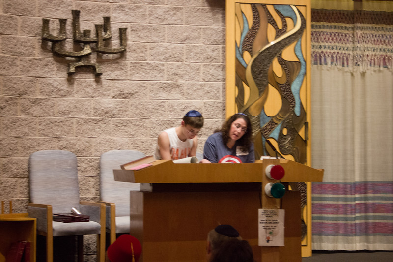 2016-03-23_Purim_Shpeil_and_Dinner-4089
