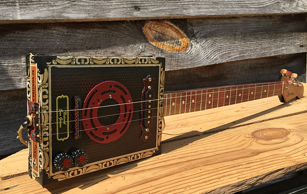 CIGAR BOX GUITAR Pics & Video