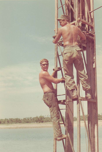 Brian Fay.  Pile driver in Quang Tri