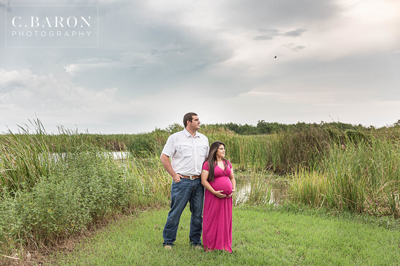 Pretty Summer Maternity Session in Baytown, Texas