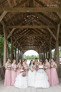 Pretty summer Big Sky Barn Wedding in Montgomery Texas near Lake Conroe, outside of Houston Texas
