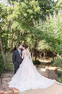 pretty intimate wedding at Big Sky Barn in Montgomery Texas during covid pandemic