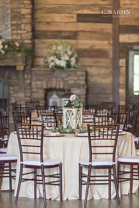 Pretty summer wedding at Big Sky Barn in Montgomery Texas