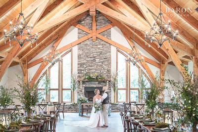 Boho forest themed wedding inspirational editorial at Dry Creek Gatherings in Magnolia, Texas