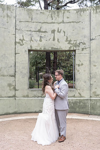 Beautiful couple and family portraits after a courthouse wedding in Houston, Texas