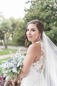 Stunning Rainy Day bridal portraits in downtown Houston, Texas