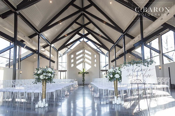 Gorgeous and elegant winter wedding at Jennings Trace in Montgomery Texas
