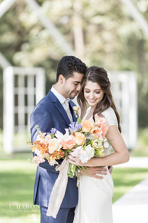 Gorgeous wedding editorial at Meekersmark near Houston Texas sponsored by Ruffled blog