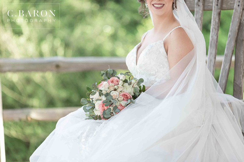 Gorgeous bridals at Moffitt Oaks in Tomball, Texas