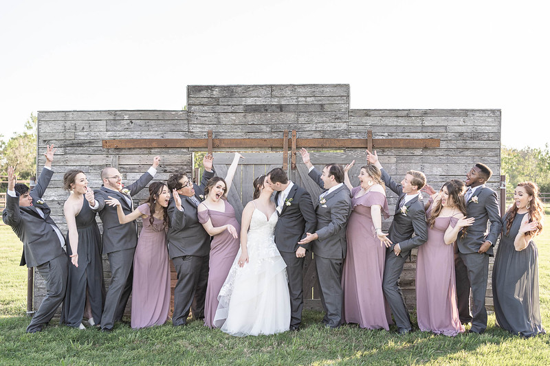 Stunning Summer wedding at Moffitt Oaks in Houston, Texas