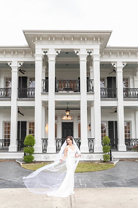 Gorgeous bridals at Sandlewood Manor in Tomball Texas, near Houston