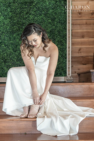 Modern wedding with vintage touches at Pavilion at Vida Bela in Conroe, Texas