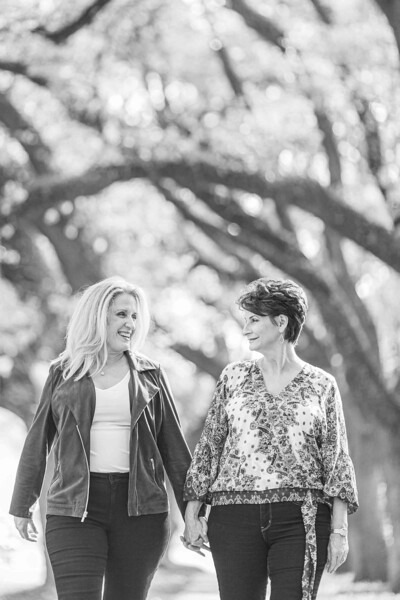 Beauitful Spring Same Sex engagement session in Downtown Houston