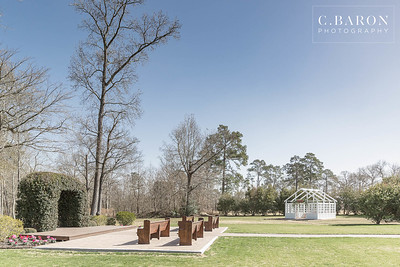 The Carriage House in Conroe, Texas has a beautiful new white glass conservatory addition to their wedding venue