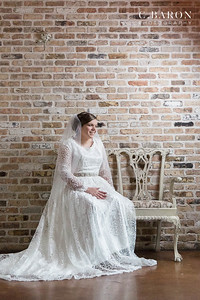 Pretty bridals at the Carriage House in Conroe Texas